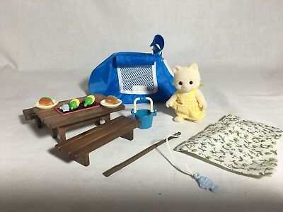Calico critters/sylvanian families Esme's Camping Trip With Picnic Table & Tent