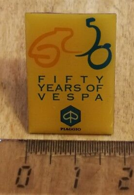 VESPA Roller  Ansteckpin Pin  Fifty Years of Vespa 1946 - 1996  sehr selten