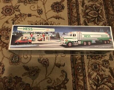 New 1990 Hess TOY TANKER Truck Brand New Collectible NIB