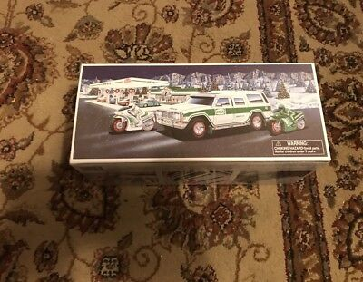 New 2004 Hess 40th ANNIVERSARY SPORT UTILITY TRUCK Brand New Collectible NIB