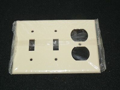 Vintage Leviton 3 gang combo outlet switch  cover plate Ivory Color