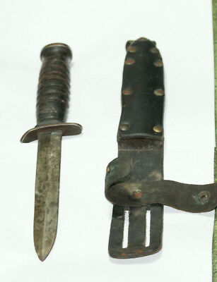 Vintage WW2 unmarked  military theater trench fighting knife with scholtz sheath