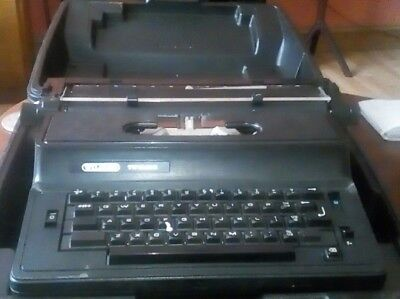 Electric Typewriter Wilding TW1500E Portable + Hard Carry Case