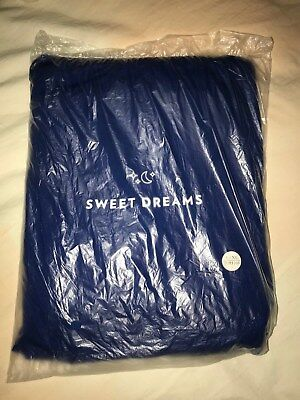 American Airlines 2018 First Class Casper Sweet Dreams Pajamas New Sealed (S/m)