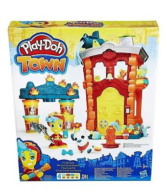 Hasbro Play-Doh Town Firehouse Playset * New *