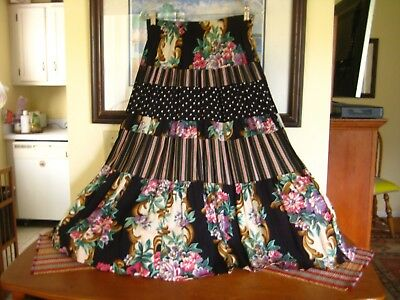 """Vintage 90's Carole Little Tiered """"Roses"""" Skirt- Size 6, rayon, made in USA"""