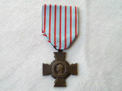 Old Wwi Ww1 1914 1918 French France Cross Of The Combatant Valor Medal Ribbon