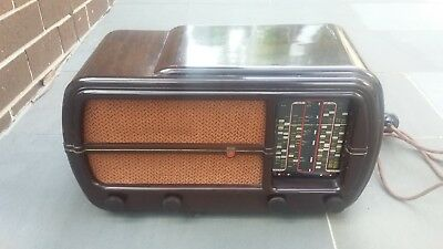 Vintage Valve Radio  philips model 101CZ
