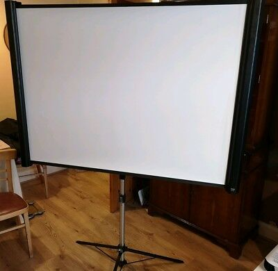 "Epson - ELPSC26 80"" Multi-Aspect Projection Screen Perfect condition"