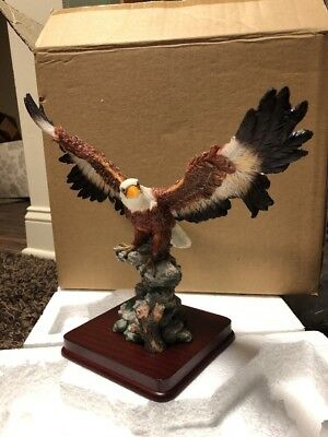 Patriotic BALD EAGLE Spread Wings Figurine