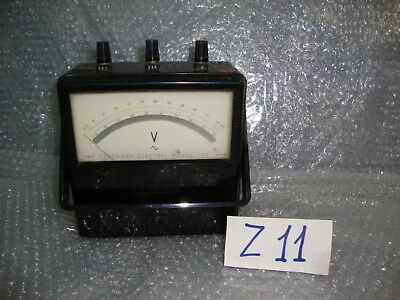 Vintage Yokogawa Electric Works type 2013 Portable Voltmeter
