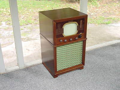 """Vintage 1940's Packard Bell Model 3381, """"Telecaster"""" 10"""" Console TV w/ FM Radio"""