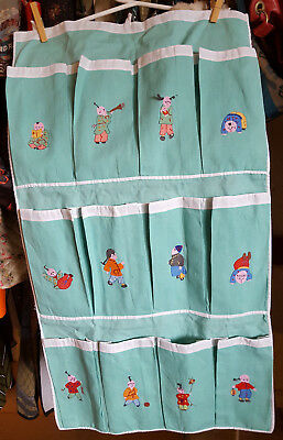 """Vintage CHINESE EMBROIDERED Asian MINT GREEN 12 pocket SHOE CADDY Approx 16""""X30"""""""