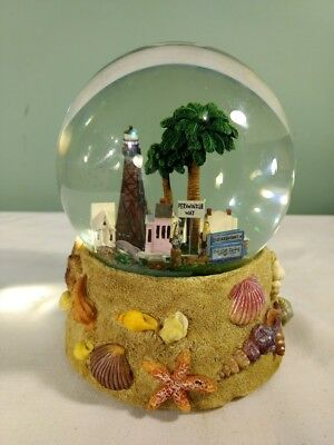 Light House RETIRED Periwinkle Way Sanibel Islands Florida Musical Snow Globe