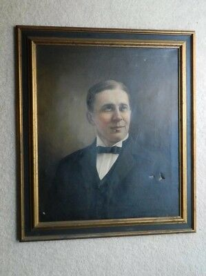 Antique oil on canvas portrait of a Gentleman, 19th or early 20th C.