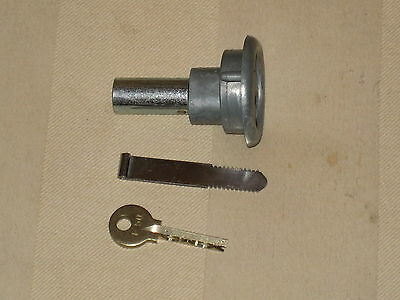 Authentic  Ford Gumball Machine F50 Lock and Key - GENUINE - For gum candy nuts
