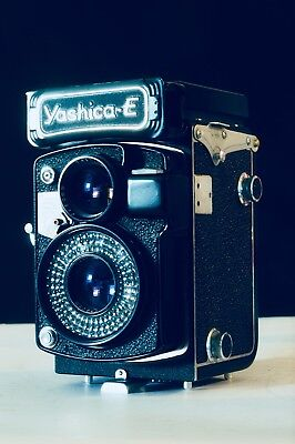 Yashica E Twin lens reflex Camera With Yashinon 80mm F3.5 Lens For Parts