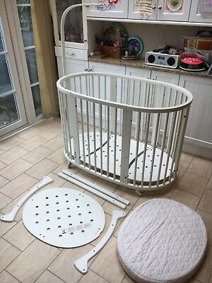 White Stokke Sleepi Crib (and mattress) and Cot Extension