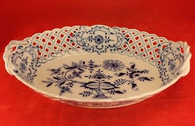 """MEISSEN Blue Onion 9½"""" Oval Reticulated Pierced Handled Console Serving Bowl"""