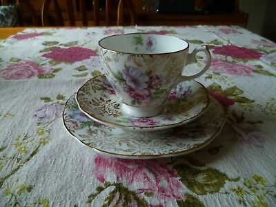 Pretty English Sheridan China Trio Tea Cup Saucer Plate Floral Gilded