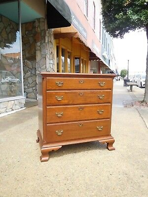 Outstanding Chippendale Walnut  Chest Of Drawers By Biggs 20th Century