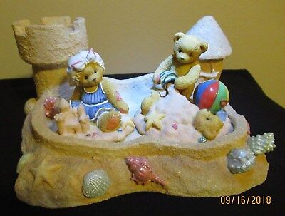 Cherished Teddies By The Sea Display Base  + 2 figurines. Excellent condition!