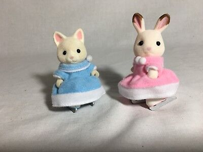Calico critters/sylvanian families 2 Girls With Ice Skates