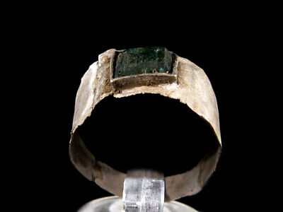 LATE ROMAN SILVER RING with GREEN GLASS STONE ON TOP+++