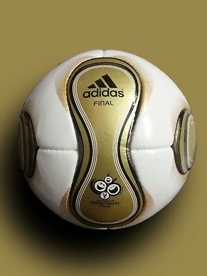 Adidas Teamgeist Official Match Ball   World Cup Final Ball 2006 Germany   No.5