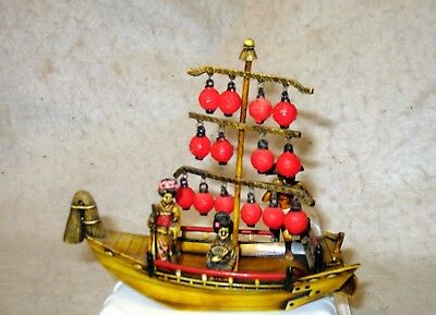 Vintage Japan Celluloid Boat And Geisha Girl Figures Great Color & Detail
