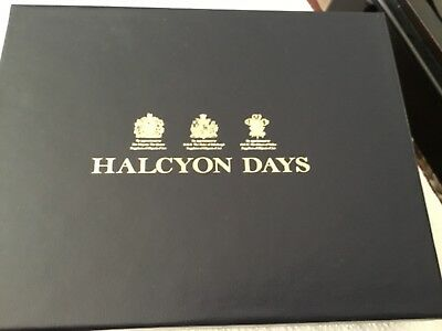 Halcyon Days Magnificent Wildlife small tray