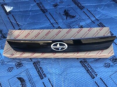 05-10 Toyota Scion TC Trunk Lift Gate Trim Moulding OEM 76801-21070