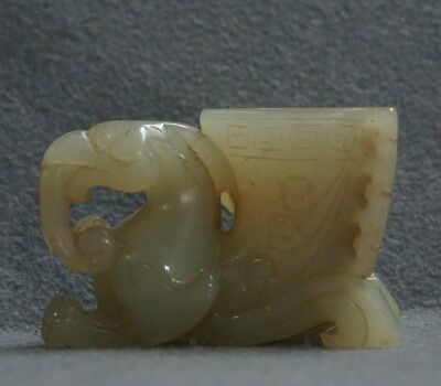 Chinese Exquisite Hand-carved brave troops Carving Hetian jade cup statue