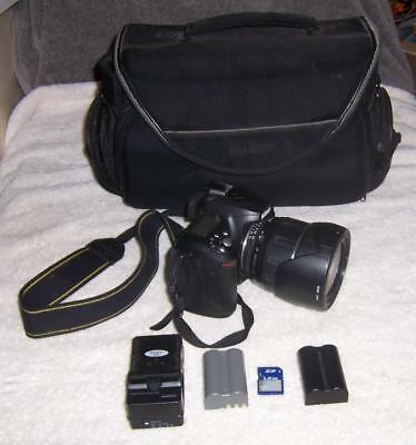 Nikon D50 Digital SLR Camera with Carry Bag/ 2 Batteries/ Charger/ SD Card