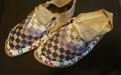 Beautiful antique 1800's Sioux Moccasins Native American Indian