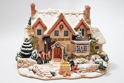 """LILLIPUT LANE Year 2000 Christmas Edition The Star Inn L2319 Large 6"""" wide"""
