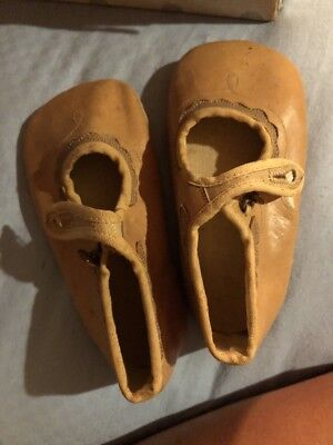 Antique Peters Shoe Company Diamond Brand Sweetheart One Strap 530 Baby Shoes