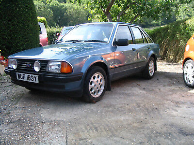 Ford Escort Mk3 1.6 Ghia 1 former keeper original condition & recommissioned