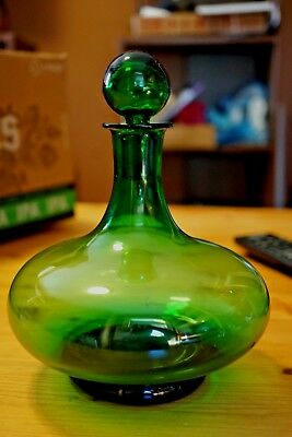 Mid Century Green Glass Decanter With Stopper Pour Lip