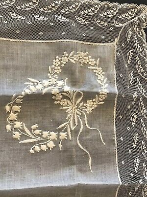 EXQUISITE ANTIQUE BELGIAN HAND EMBROIDERY LACE LILY of VALLEY BOW GARLANDS HANKY