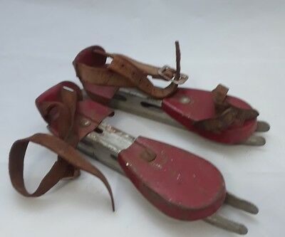 C1900 ANTIQUE YOUTH SHOELESS COLLECTABLE DOUBLE BLADE leather strap ICE SKATES