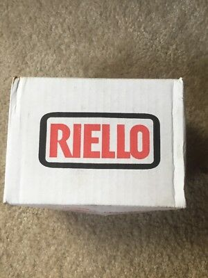 Riello Oil Burner Motor 3005843 C7001034 FOR F3 - F10 BNIB