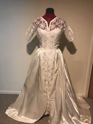 Vintage 1950's Ivory Lace & Satin Wedding Dress Size Small