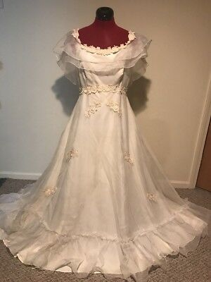 1970's? Vintage Ivory Wedding Dress Size Small