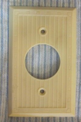 Antique Single Mono Outlet Plate Wall Cover Dashed Deco Ribbed Beige Bakelite