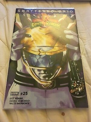 Mighty Morphin Power Rangers Issue #25 Yellow Ranger Variant Shattered Grid NM