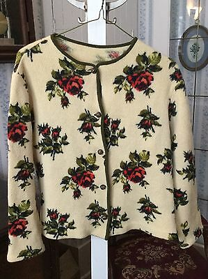 Beautiful vintage women's sweater with lovely rose pattern (A086)