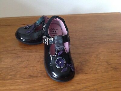 Girls Clarks First Shoes Size 5 F Excellent Condition