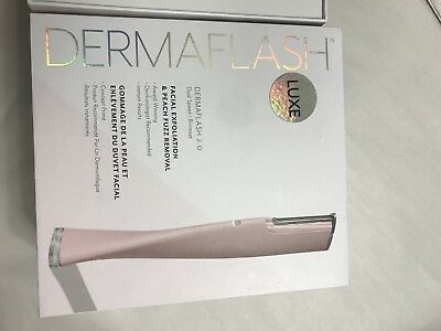 N-3 DERMAFLASH 2.0 Luxe Facial Exfoliation & Peach Fuzz Removal
