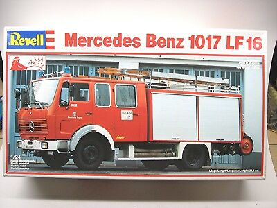 Revell Mercedes-Benz 1017 LF 16 truck kit #7460 from 1987